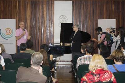 Martin Grossmann introducing Eduardo Monteiro's performance - Scientific & cultural tour: USP and Modernist São Paulo - April 18, 2015