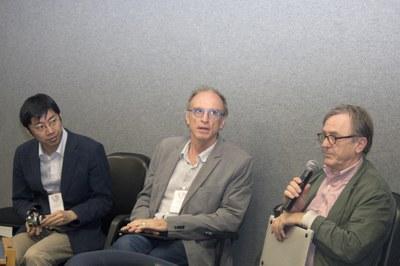 Till Roenneberg talking about a MOOC design, with Dapeng Cai and Martin Grossmann