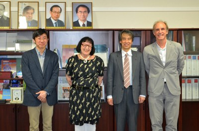 Dapeng Cai, Regina P. Markus, Takaho Ando and Martin Grossmann