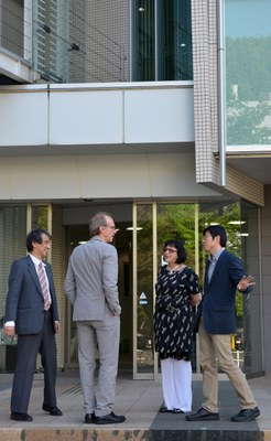 Takaho Ando, Martin Grossmann, Regina P. Markus and Dapeng Cai