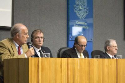 Luiz Bevilacqua, John Heath, Naomar de Almeida Filho and Marco Antonio Zago